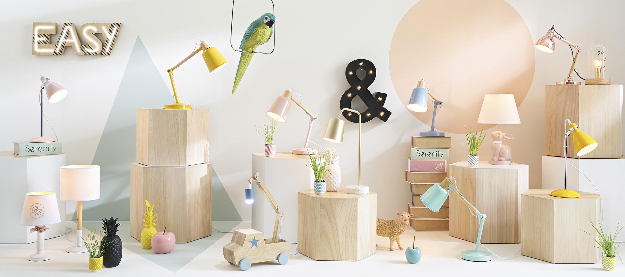 Maisons du monde lance son premier catalogue luminaires for Lampada piantana maison du monde
